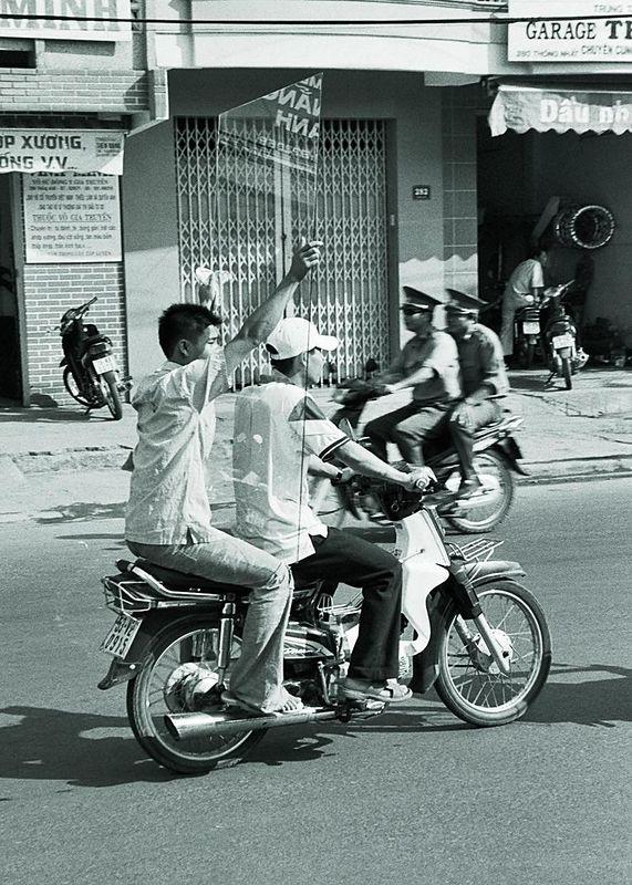 sheet glass on moped