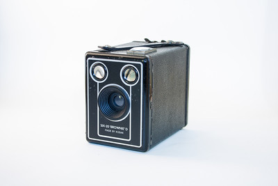 Kodak 620 Brownie D This camera, one of the wonderful Kodak Brownies, is in superb condition.