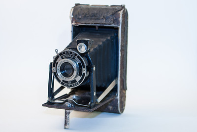 Kodak Junior 620 The Kodak Junior 620 was a folding camera produced in Germany from 1933 - 1939. As the name implies, this camera used 620 roll film.