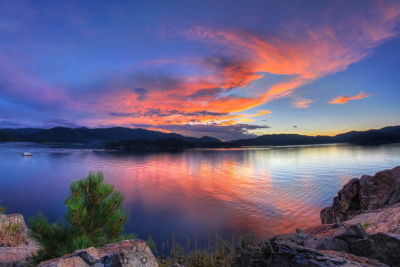 Lake Pactola sunset.