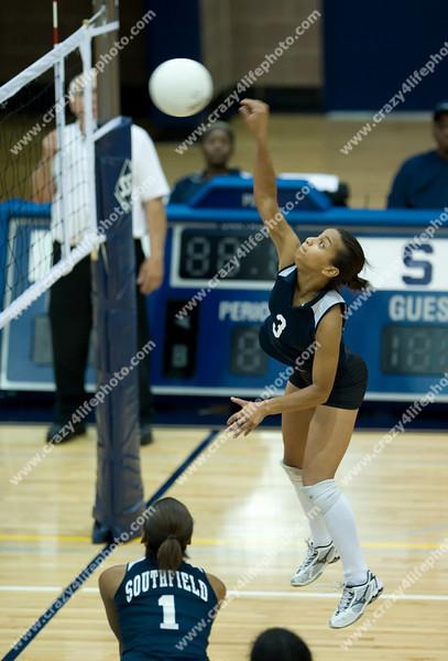 Royal Oak vs. Southfield<br /> 2008 Girl's High School Volleyball