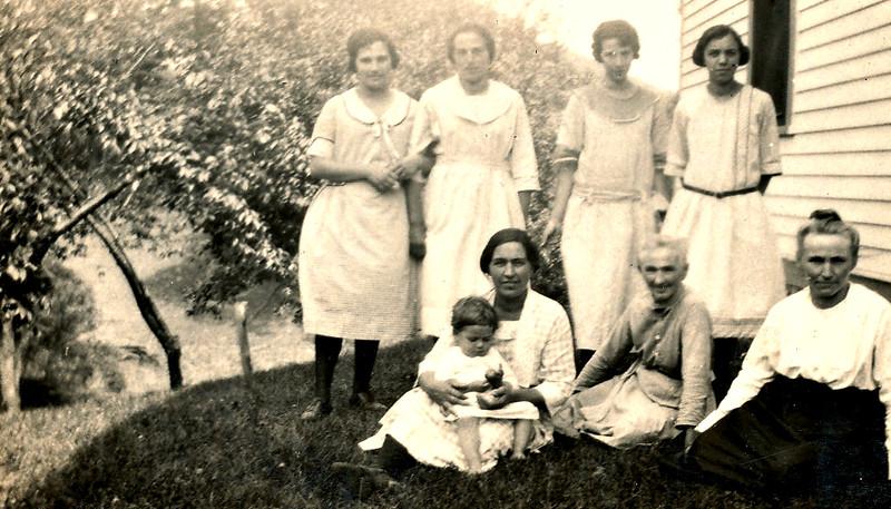 front: Katie (Von Arx) Langen, Great Grandma Katherine (Hinderberger) Von Arx, Sophie Gees<br /> Back: second from left - Mary Von Arx, ___?___, and Tillie (Langen) Lorenz on end.