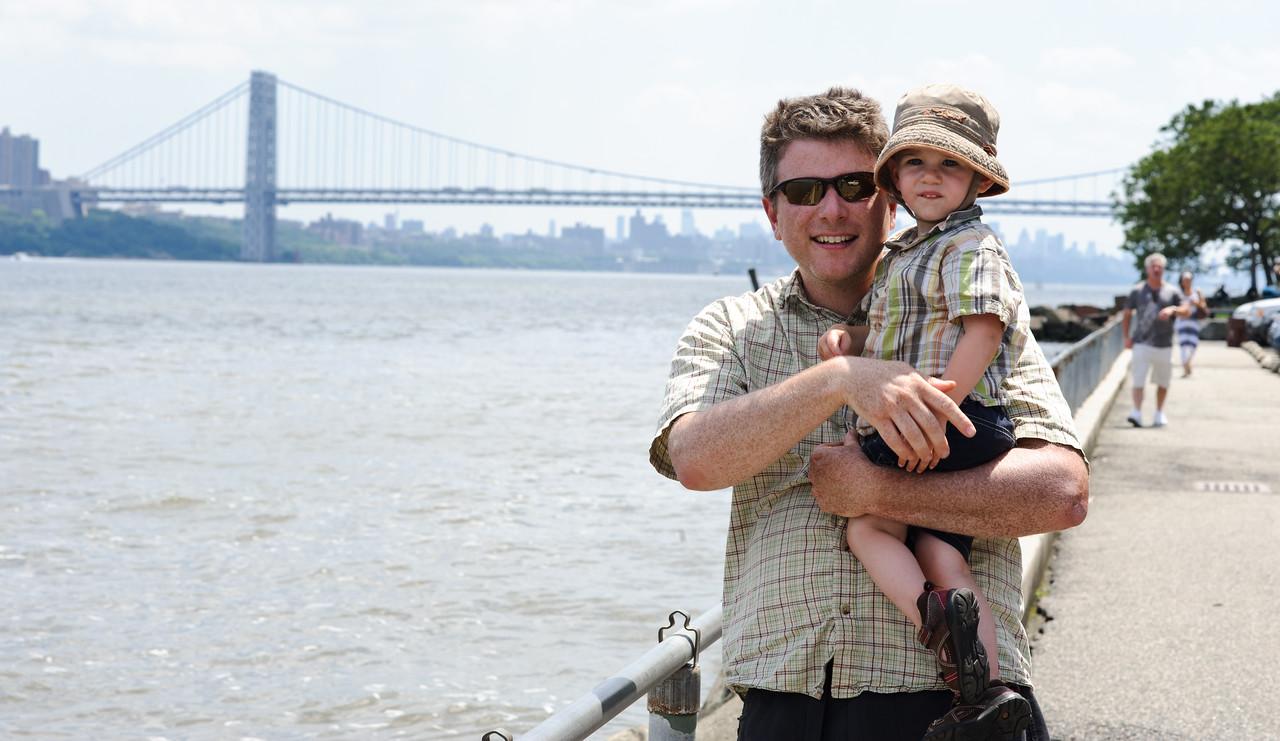 Moi et Nicolas devant le George Washington Bridge, New-York