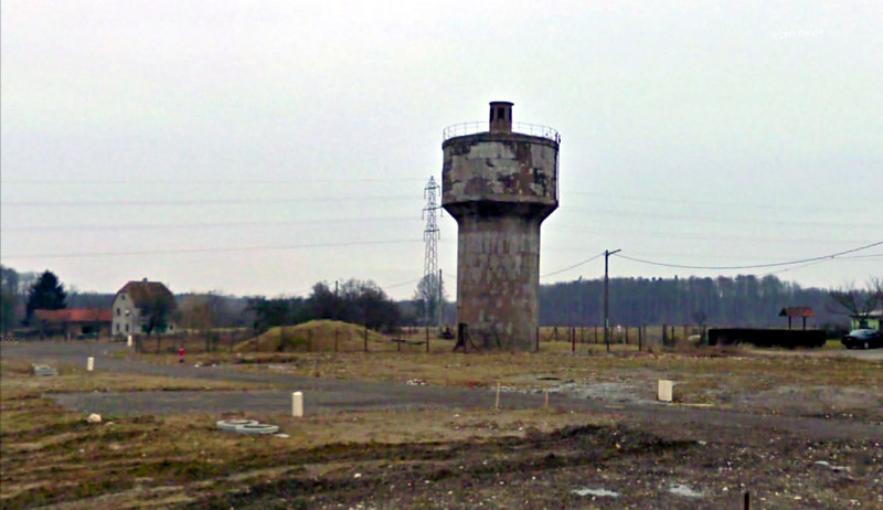Flak tower near Legeret, Lorraine (Moselle), France.  Google Earth photo, c. 2010.