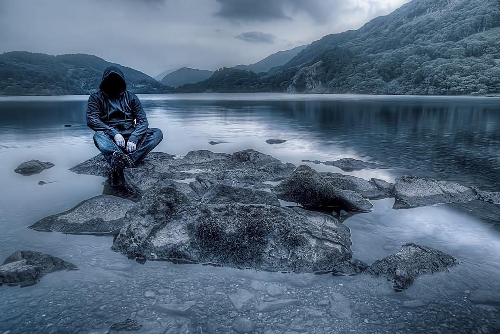 The stranger on the lake