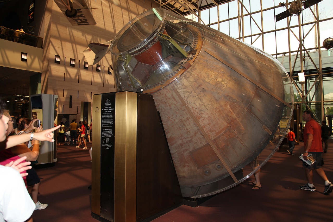 Apollo 11 Command Module -- National Air & Space Museum Main Facility