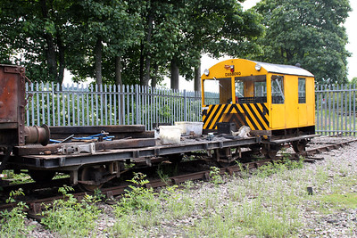 DX68090 Wickham Trolley & 68074 Flat Tarailer at Walsingham       24/06/12.