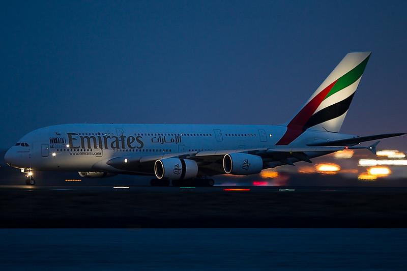 http://www.vortexaviationphotography.com/Other/webposting/i-QDHnWKj/1/L/A38012802-L.jpg
