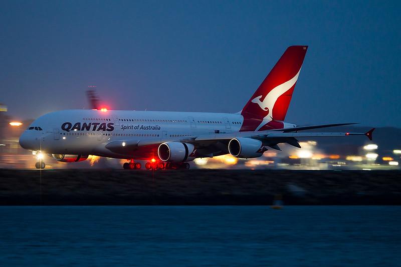 http://www.vortexaviationphotography.com/Other/webposting/i-RkTJZr9/1/L/A3801280-L.jpg