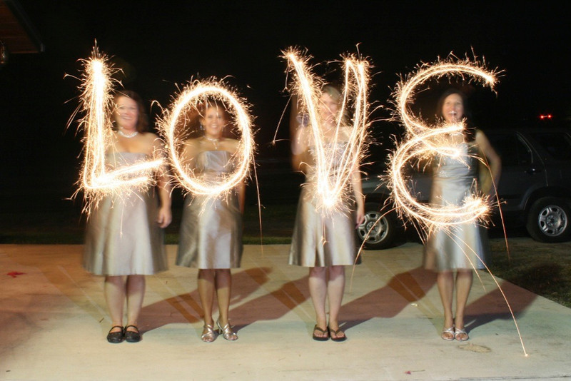 My cousin Chuck Allen took this photo at the wedding but thought it was a great idea! 10.10.09