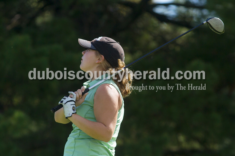 Olivia Corya/The Herald<br /> Forest Park's Amie Weyer watched her shot during the IHSAA Sectional at the Jasper Municipal Golf Course on Saturday.