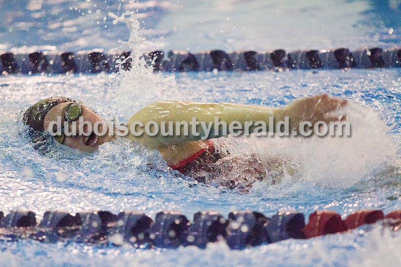 Rachel Mummey/The Herald<br /> Southridge's Kyla Schwinghammer swam in the third leg of the girls 200 yard freestyle relay during the Raiders meet against Heritage Hills in Lincoln City on Monday.