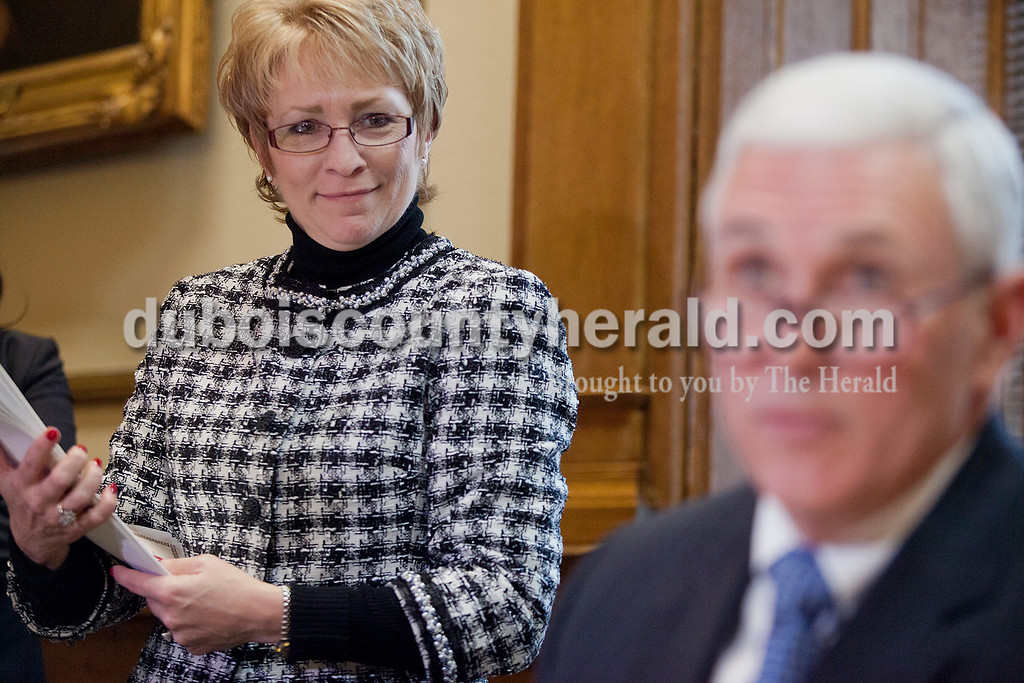 Just hours after the inauguration ceremony commenced, Lieutenant Governor Sue Ellspermann joined Governor Mike Pence in his office as he signed his first executive orders at the State Capitol on Jan 14.