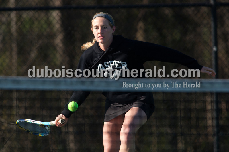 Jasper's Abby Rogers chased down the ball during the No. 1 singles match of Saturday's match against Greenwood in Jasper. Dave Weatherwax/The Herald