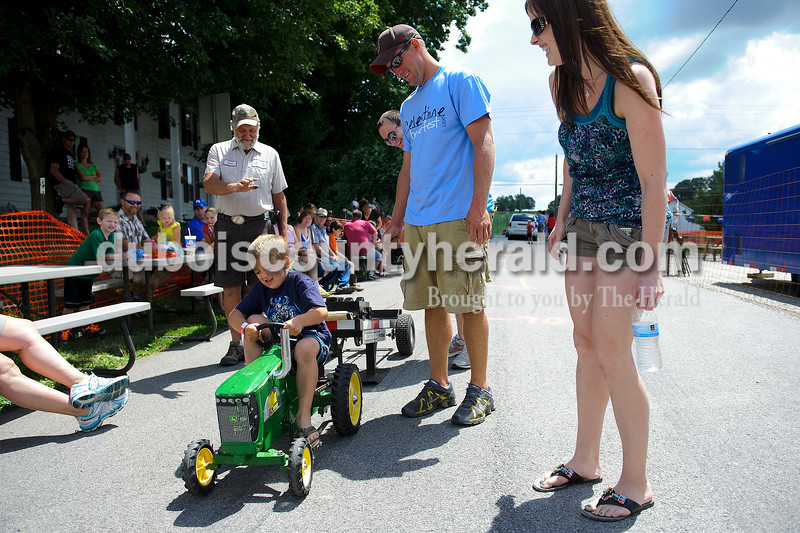 Matthew Busch/The Herald<br /> during the Celestine Street Fest on Saturday.