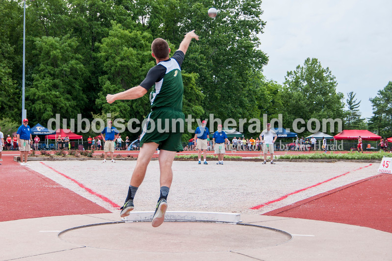 Forest Park High School Junior Noah Braunecker competed in both the discus and shot put events. In the shot put competition Braunecker's best throw was 44-1.00 placing him in 26th.