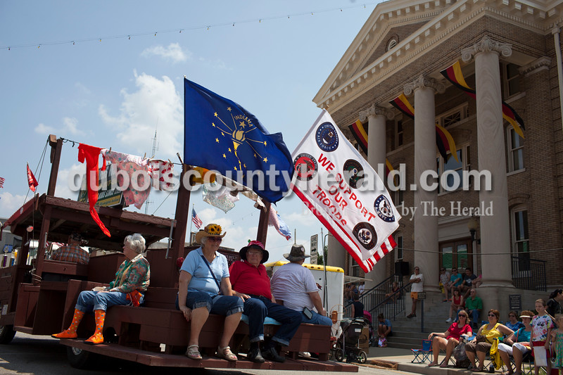 A float celebrated service men and women at the Jasper Strassenfest Parade on Sunday.<br /> Caitlin O'Hara/The Herald
