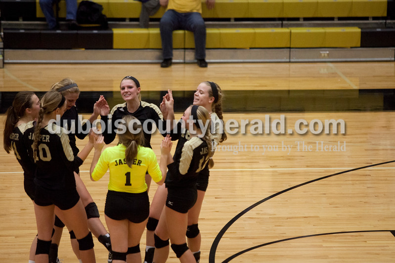Erica Lafser/The Herald<br /> Jasper's volleyball team prepared for the third set during Tuesday night's Class 3A regional championship against Mount Vernon at Jasper High School. The Wildcat's won in three games.