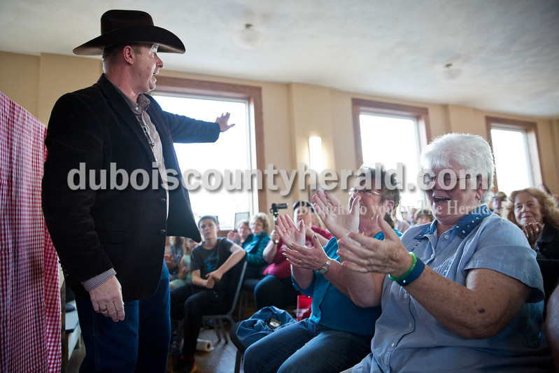 Sarah Ann Jump/The Herald<br /> David Wayne of Huntingburg entertained the crowd as Barbara Rasche of Jasper and Glenda McLean of Huntingburg clapped along to the song playing during Saturday's show at the Huntingburg Opry Hall.