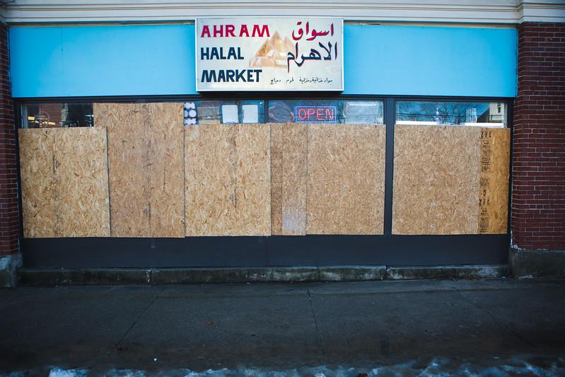 AhramMarket122716-1.jpg
