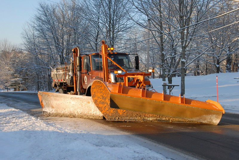MDOT plow truck on Main Rd North in Hampden.jpg