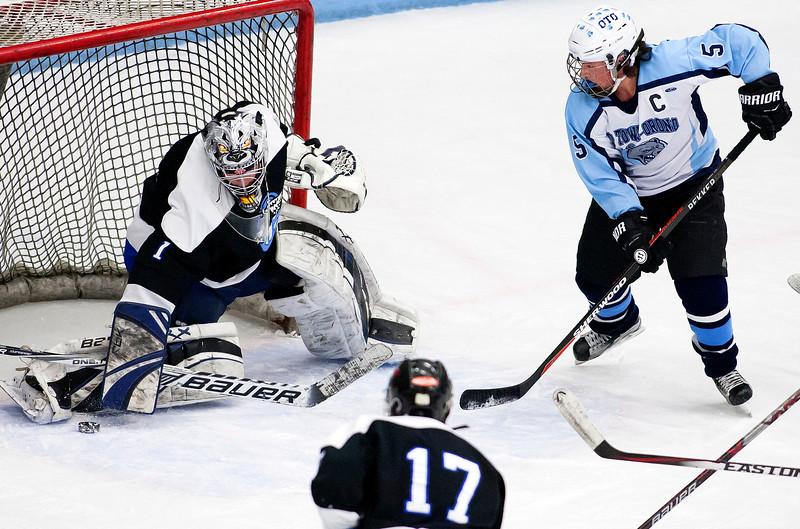 OTOhockey011417 009.JPG
