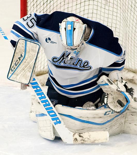 UMhockey012717 011.JPG