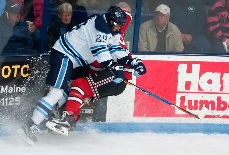UMhockey100716 009.JPG
