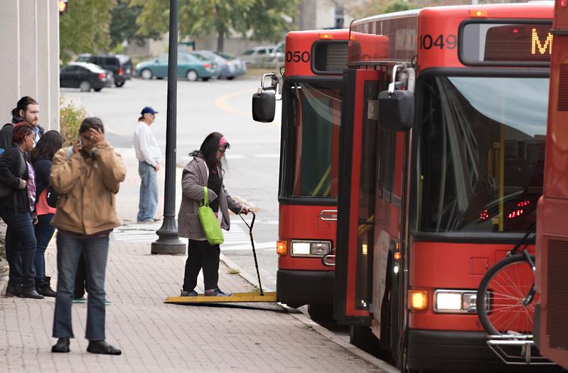bus100316 1.jpg