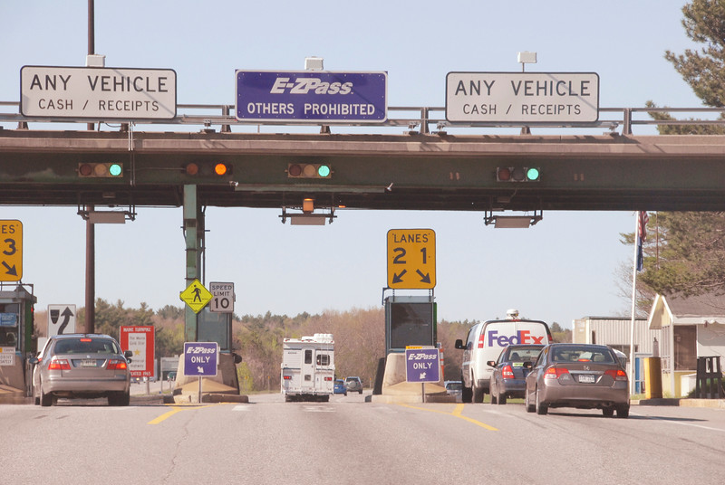 Maine Turnpike toll plaza in West Gardiner.jpg