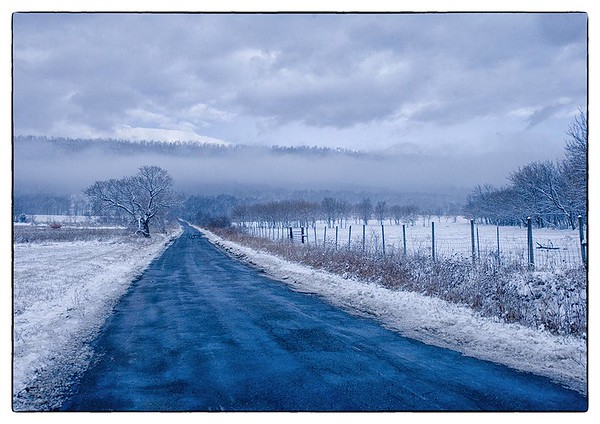 First Snow on Tuscarora Pike