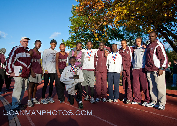 "The Gray Bee Cross Country Team  won the 2010 Essex County Championship.  October 29, 2010.  <a href=""/gallery/14422112_gGw3W"">CLICK HERE</a> to see more pictures.."