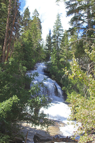 8/18/11 Falls (Lone Pine Creek) at Whitney Portal Picnic area parking lot. Eastern Sierras, Inyo National Forest, Inyo County, CA
