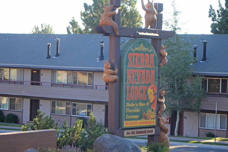 8/18/11 Checking out of Sierra Nevada Lodge on Old Mammoth Rd., Mammoth Lakes, E. Sierras, Mono County, CA