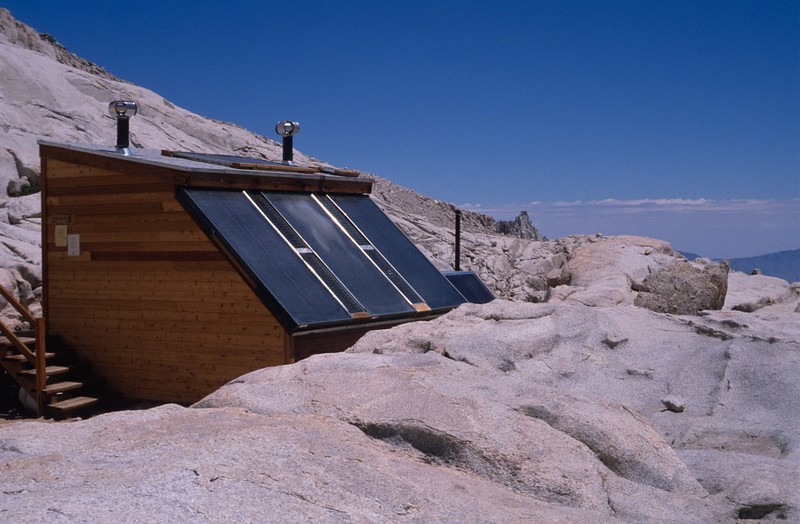 "JMT_1989_2008 ""Solar toilet at Trail Camp in 1989""<br /> from: <a href=""https://didnt.doit.wisc.edu/outdoor/gallery/JMT1989/day%2017/slides/JMT_1989_2008.jpg"">https://didnt.doit.wisc.edu/outdoor/gallery/JMT1989/day%2017/slides/JMT_1989_2008.jpg</a><br /> wz link:  <a href=""http://www.whitneyzone.com/wz/ubbthreads.php/topics/18206/all/Solar_Toilets_vs_Carrying_Wag_"">http://www.whitneyzone.com/wz/ubbthreads.php/topics/18206/all/Solar_Toilets_vs_Carrying_Wag_</a>"