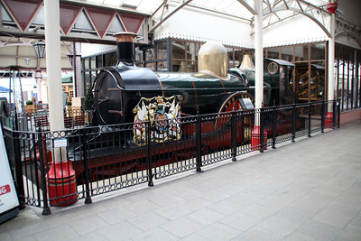 Replica 4-4-2 No 3041 'The Queen' at Windsor & Eton Central.