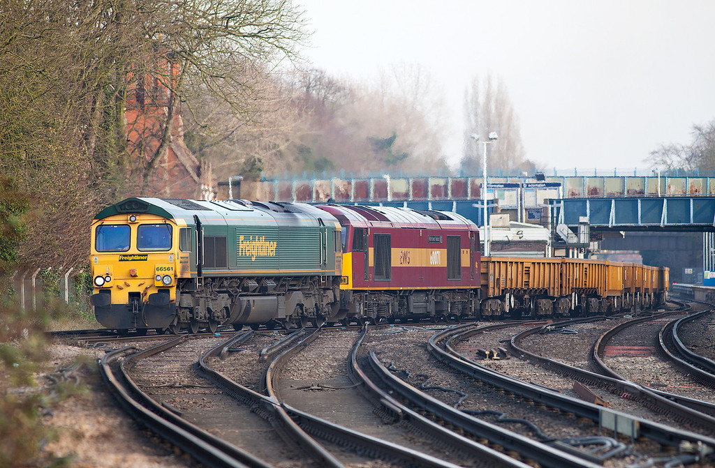 Taken from Barnes level crossing with a 300mm Canon F4 lens, 66561 & 60071 pass through Barnes with the late running 6Y42 13.57 Hoo Junction-Eastleigh departmental working.18.2.13