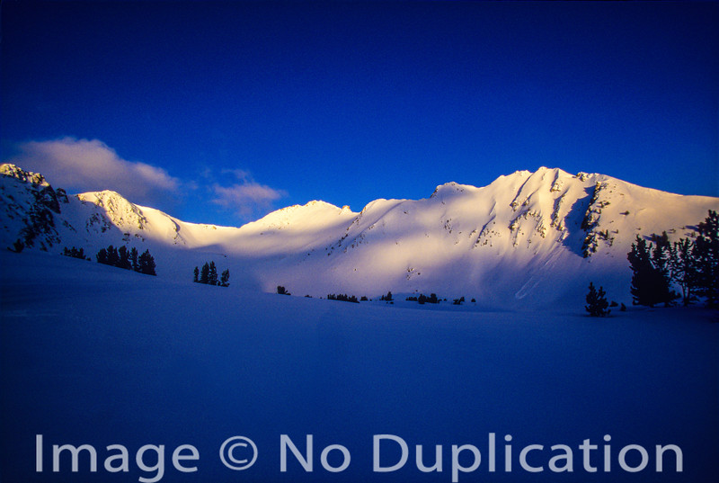 Dawn Breaks in the White Clouds