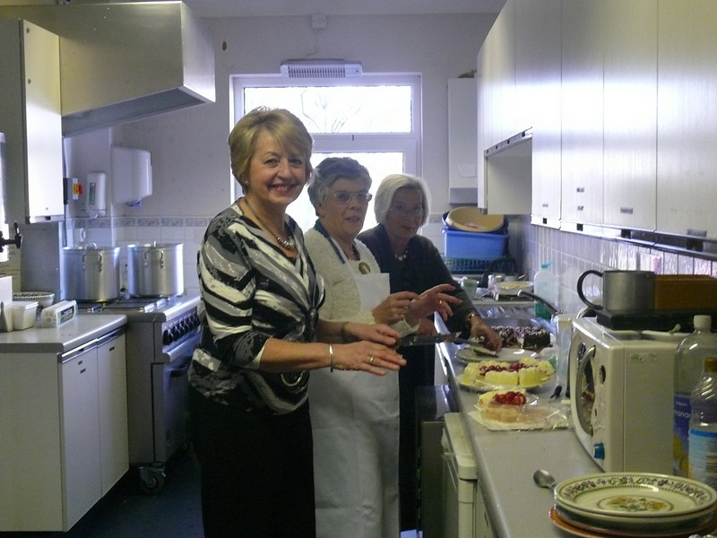 Pat, Erika and Judith preparing lunch