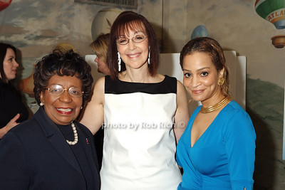 Marcela Maxwell, Leslie Grossman, Anna Maria Fisher photo by Rob Rich © 2008 robwayne1@aol.com 516-676-3939