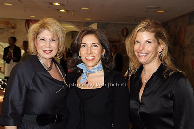 Andrea March, Nicole Maggio, Leslie Wolfson photo by Rob Rich © 2008 robwayne1@aol.com 516-676-3939