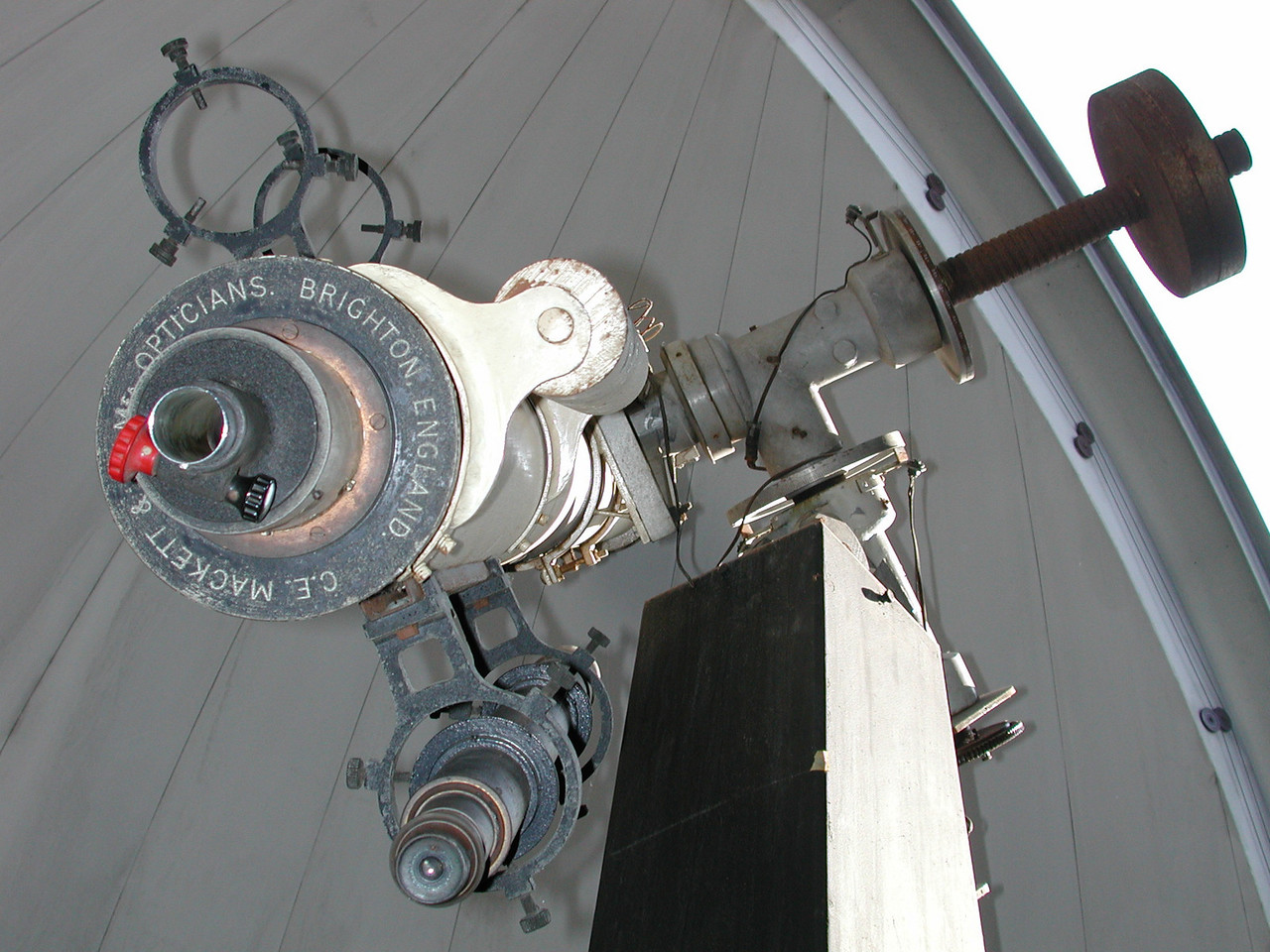 Observers end of the telescope reveals the manufacturer