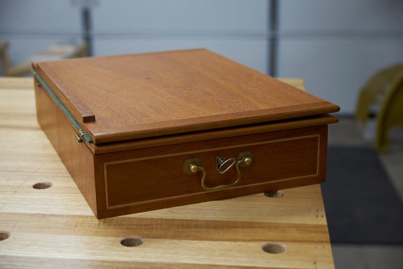 Jefferson lap desk - mahogany and maple