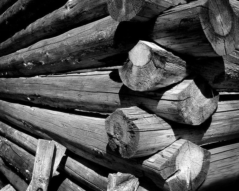 Log cabin detail #2