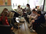 5C enjoying a shared read with 1PC