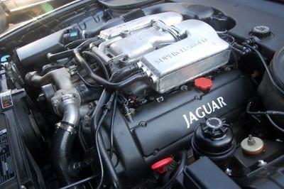 2003_jaguar_xjr_4_dr_superchar-1664691617-O