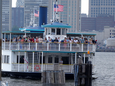 Ferry arriving in Camden from Penn's Landing.