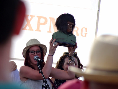 Ingrid Michaelson with Planet of the Apes figure, River Stage