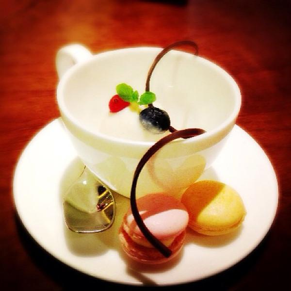 """Dessert at Wujie Restaurant, Bund branch: Soymilk ice cream and naturally flavored meringues<br /> <a href=""""http://www.cityweekend.com.cn/shanghai/listings/restaurants/vegetarian/has/bund/"""">http://www.cityweekend.com.cn/shanghai/listings/restaurants/vegetarian/has/bund/</a>"""