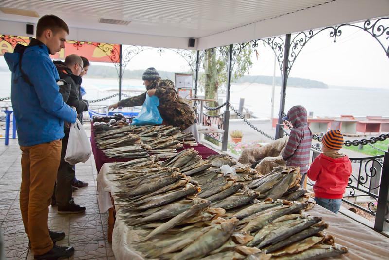 Рыбный рынок в Мышкине